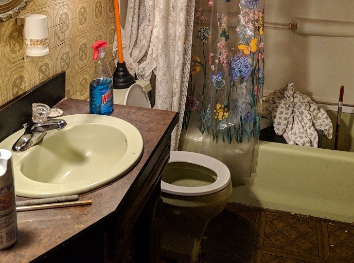 green-sink-tub-toilet-combo-retro